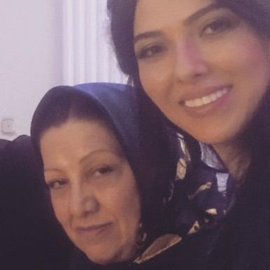 لیلا اوتادی و مادرش