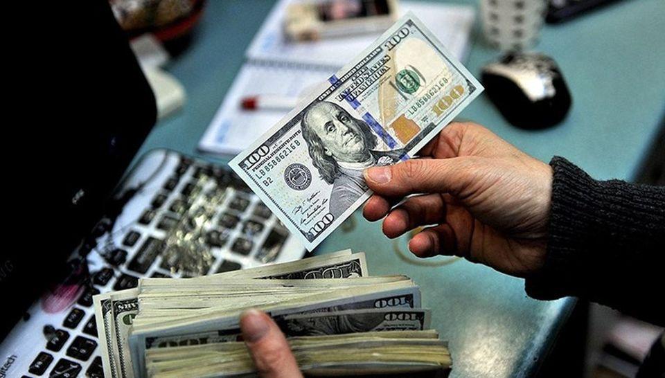 قیمت دلار: قیمت دلار امروز، دوشنبه 28 تیر ماه به ٢۴ هزار و ۵٨ تومان رسید