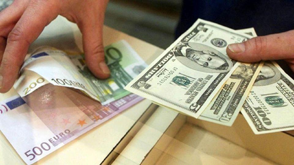 از قیمت دلار چه خبر؟