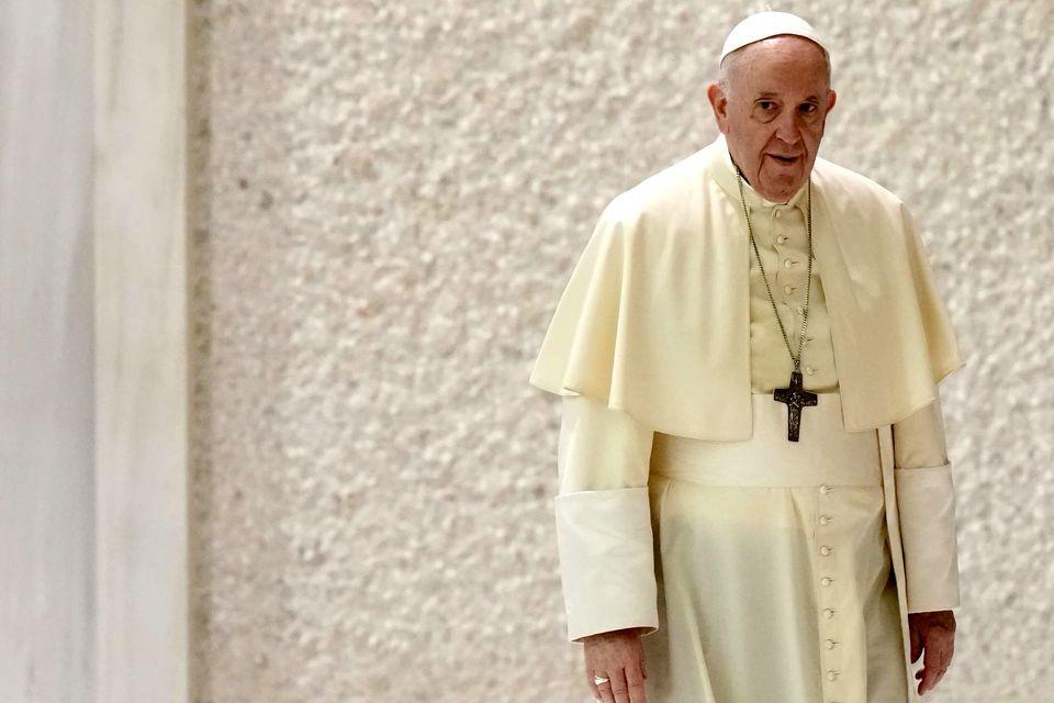 پاپ استعفا کرد؟